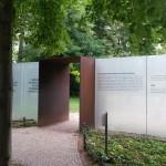 Sinti og Roma mindesmærke indgang